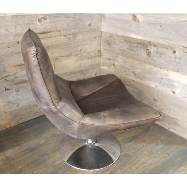 Wondrous Modern Hopper Leather Swivel Bucket Chair Gmtry Best Dining Table And Chair Ideas Images Gmtryco