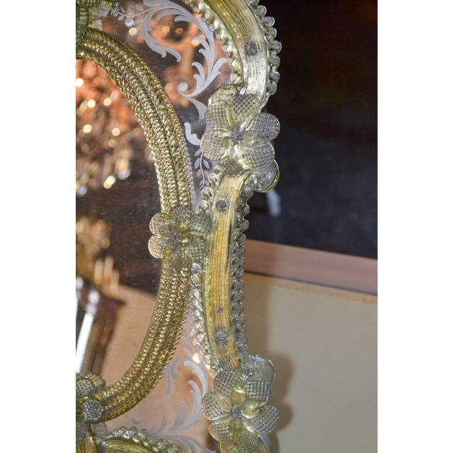 Italian 1920s Pair of Gorgeous Venetian Vanity Mirrors on Stands For Sale - Image 3 of 10