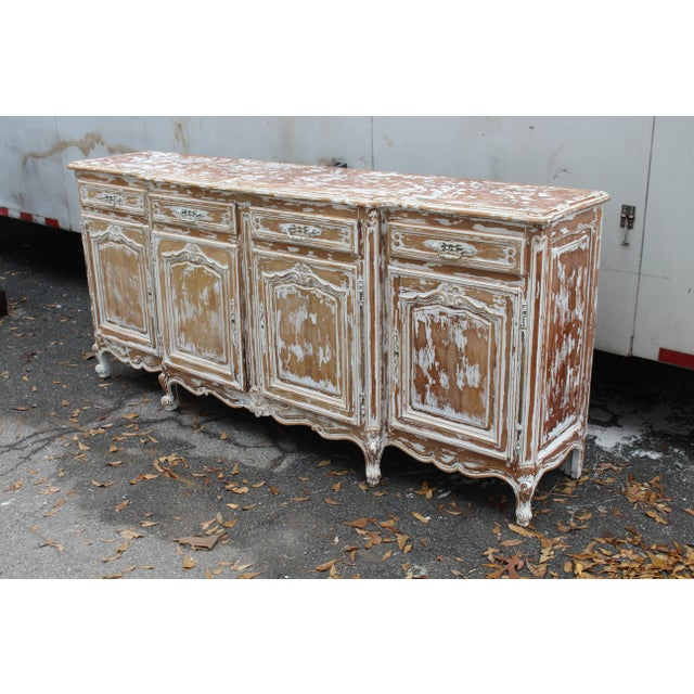 From the 19th century, this large sideboard is a statement piece. Very conventional with plenty of space for dining-ware,...
