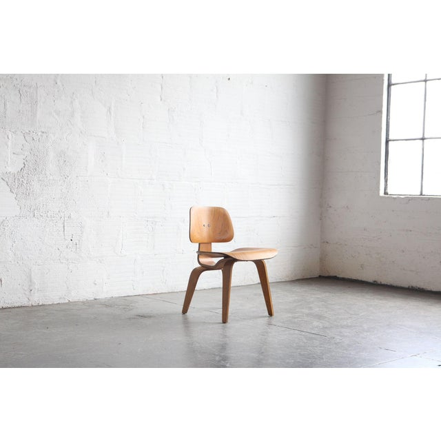 This is an early example of one of Eames' most celebrated designs. The chair is beautifully designed and has a lot of...