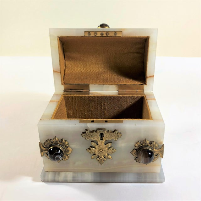 Antique Onyx and Scottish Agate Jewel Box, Circa 1860-1870. For Sale - Image 4 of 6