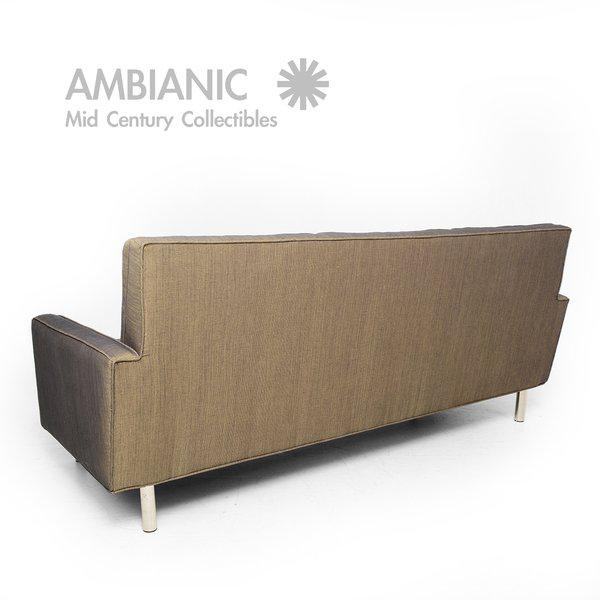 Mid-Century Modern Sofa After Florence Knoll For Sale - Image 9 of 10