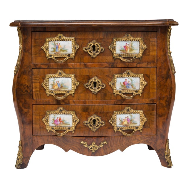 19th Century French Walnut Specimen Louis XV Style Commode For Sale