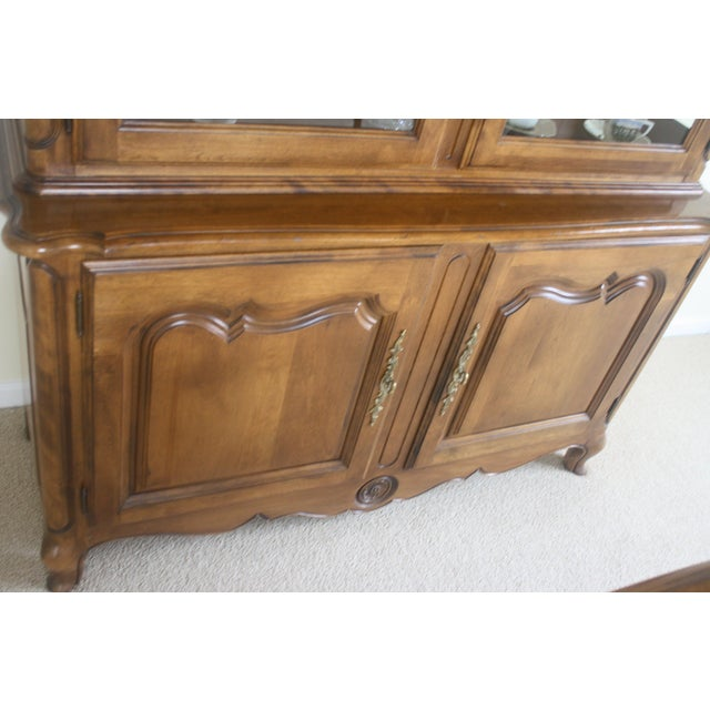 Ethan Allen Country French China Cabinet and Buffet - Image 5 of 8