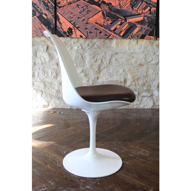 Contemporary Eero Saarinen for Knoll Tulip Dining Chairs - Set of 5 For Sale In San Francisco - Image 6 of 7