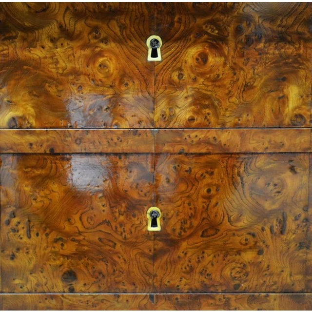 19th Century Restauration Period Burl Elm 4 Drawer Commode For Sale - Image 5 of 7