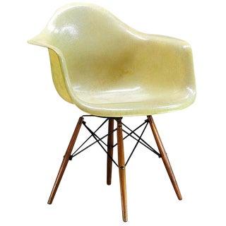 1950 Eames Paw Herman Miller Zenith Parchment Dowel Leg Chair Rope Edge For Sale