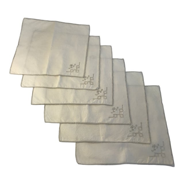 1970s English Traditional Hand Embroidered Ecru Linen Dinner Napkins - Set of 6 For Sale