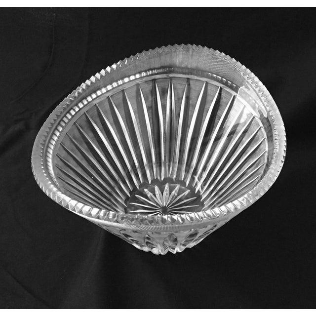1980s Mid-Century Modern Elegant Cut Crystal Bowl For Sale - Image 5 of 9