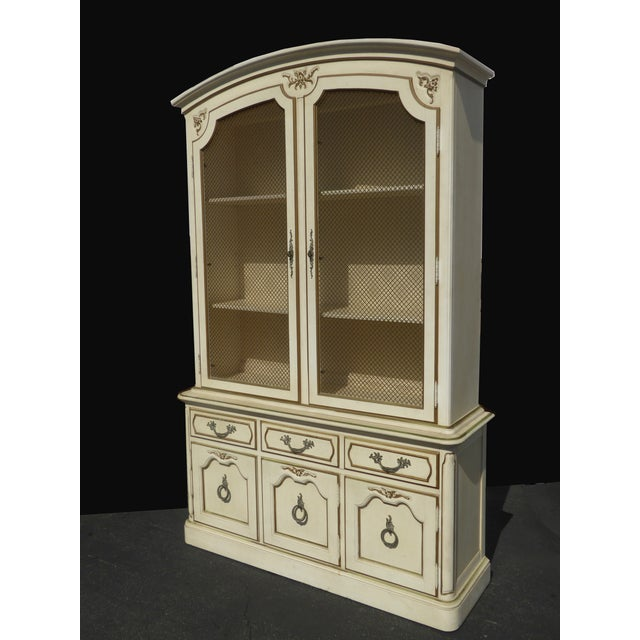 Thomasville French Country Carved Off-White Hutch - Image 3 of 11