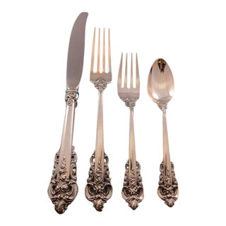 Grande Baroque by Wallace Sterling Silver Flatware Set 8 Service 32 Pieces Dinner For Sale