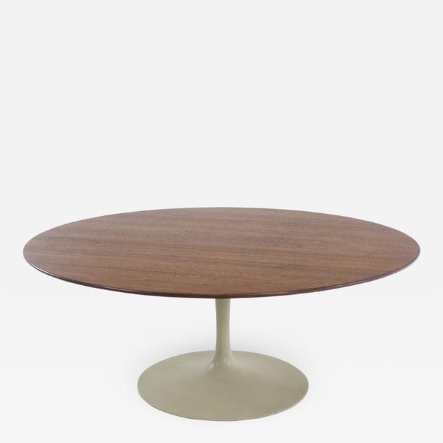 1950s Mid-Century Modern Oval Walnut Top Coffee Table by Eero Saarinen for Knoll For Sale - Image 5 of 5