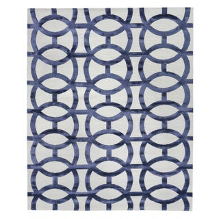 Vera Ivory/Navy Blue Hand knotted Wool/Viscose Area Rug - 12'x15' For Sale