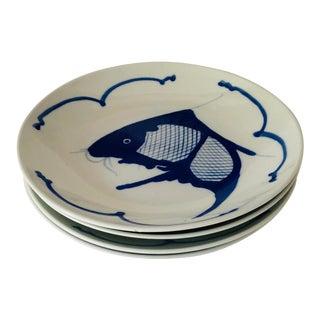 Vintage Koi Fish Pattern Grey & Blue Set of 4 Plates For Sale