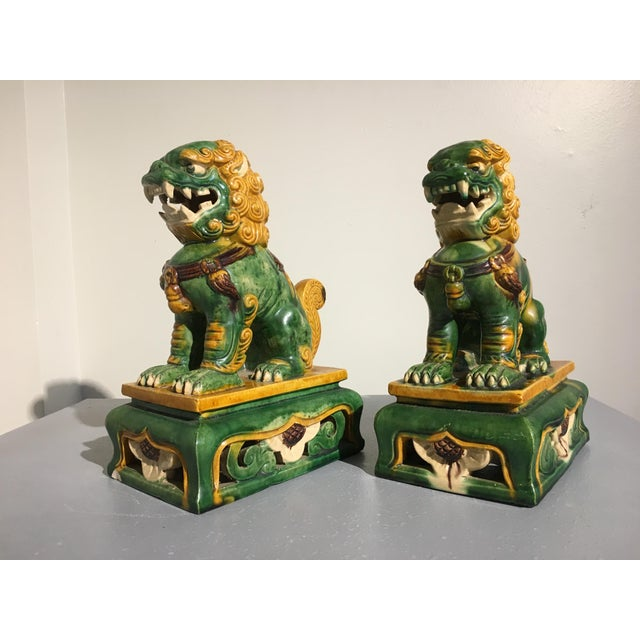 Ceramic 1920s Chinese Sancai Glazed Foo Lions - a Pair For Sale - Image 7 of 11