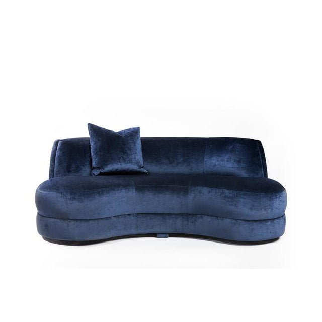 Vintage Ink Blue Velvet Princess Settee For Sale In Miami - Image 6 of 6