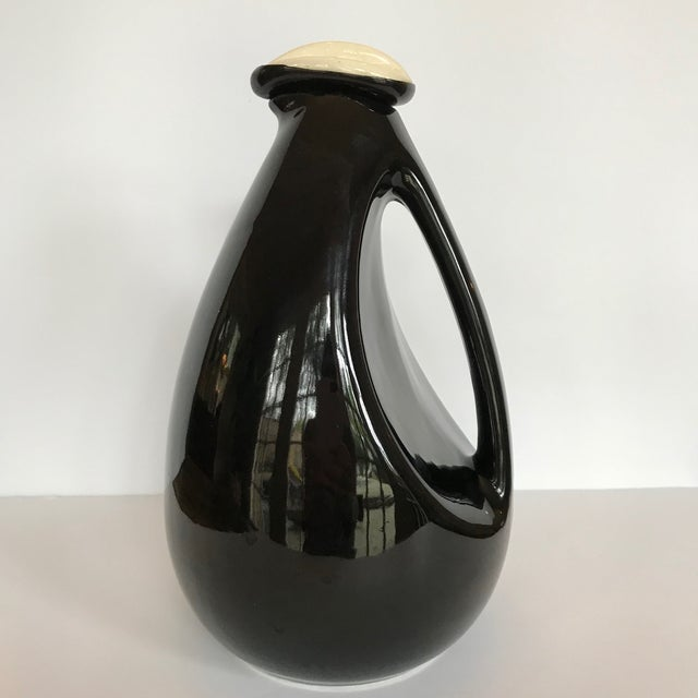 Shawnee Penn 1950s Kenwood for Shawnee Black Bird Pitcher For Sale - Image 4 of 7