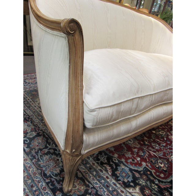 Country French Style Settee For Sale - Image 4 of 13