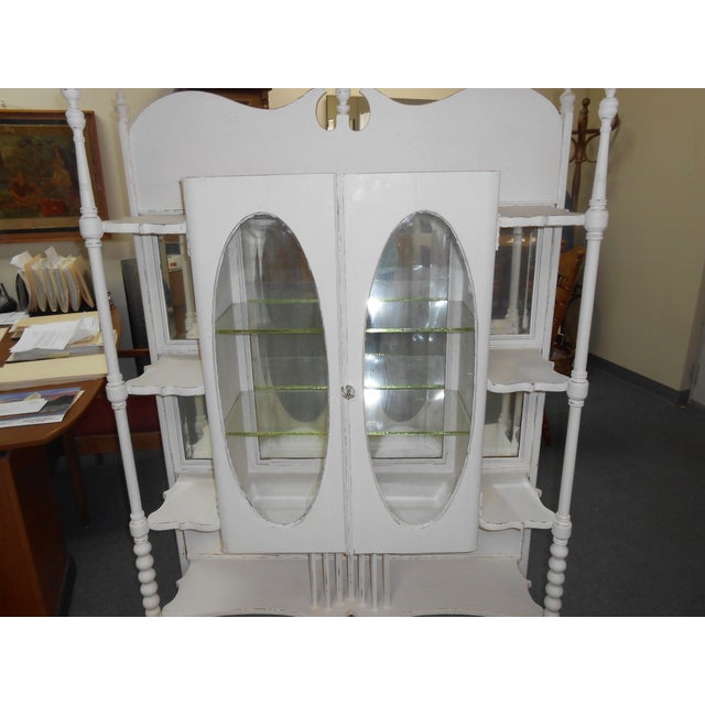 White Vintage Display Cabinet - Image 6 of 6