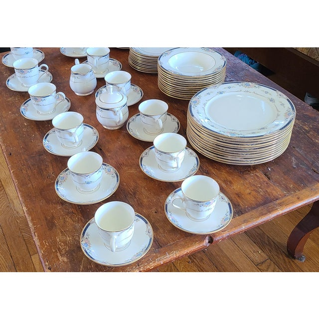 This is a very nice complete 6 piece service for 12 porcelain china dinnerware set made by Lenox in the Debut Collection...