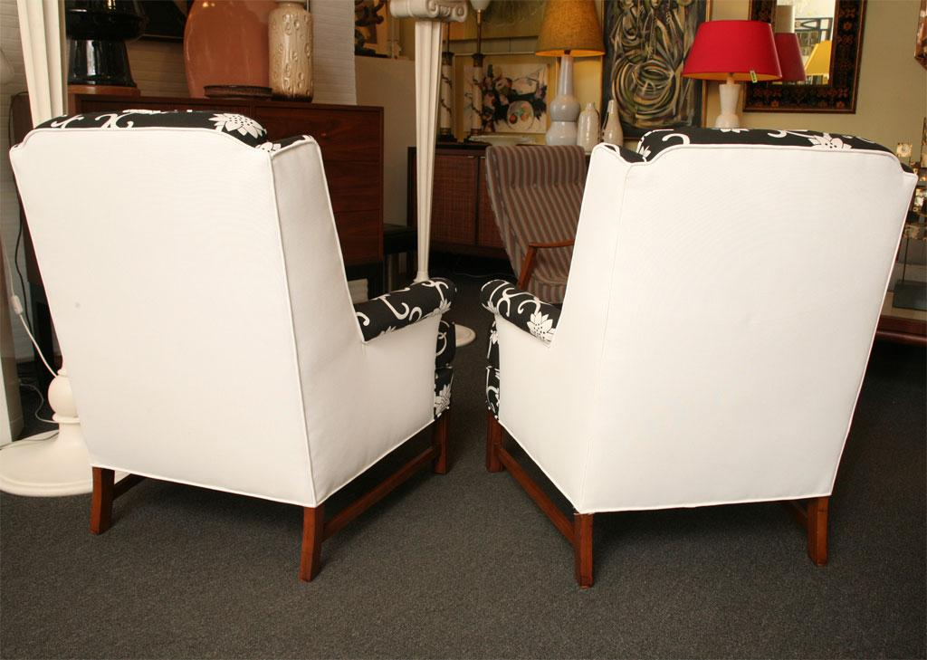 Dunbar Furniture Pair Of Mid Century Modern Wingback Chairs 1950s For Sale    Image 4 Of