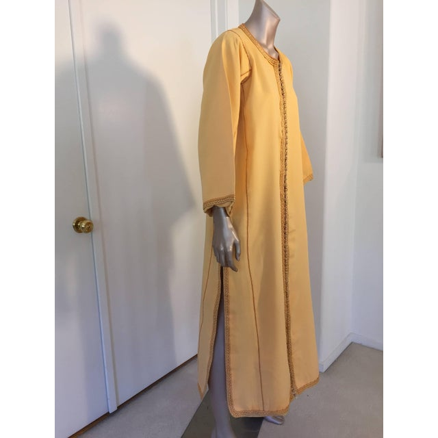 Gold Moroccan Vintage Yellow Gold Caftan For Sale - Image 8 of 10