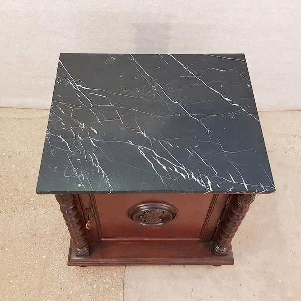 French Louis XIII Style Early 20th C. Confiturier Cabinet Cupboard With Single Door and Marble Top For Sale - Image 4 of 13