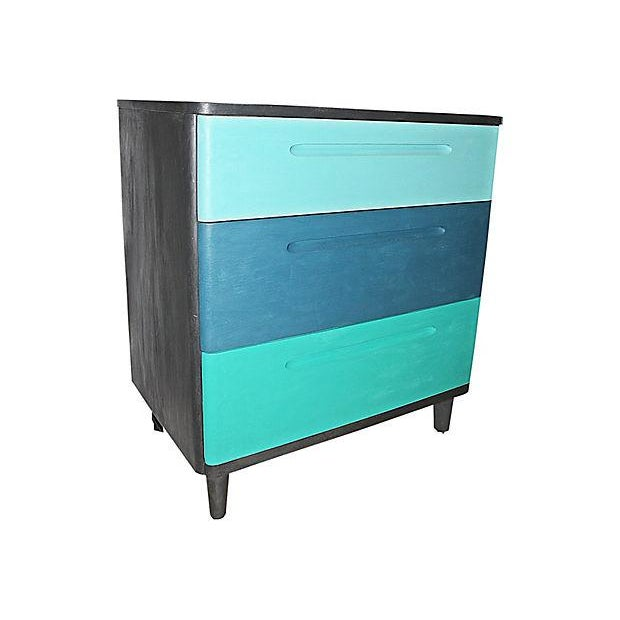 Huntington Furniture high-quality 3 drawer dresser circa 1962, solid oak drawers, solid wood construction, freshly painted...