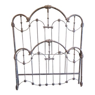 Beautiful Traditional Queen Size Wrought Iron Bed & Frame