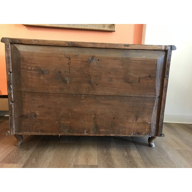 Traditional 18th Century Italian Burl Walnut Chest of Drawers For Sale - Image 3 of 10