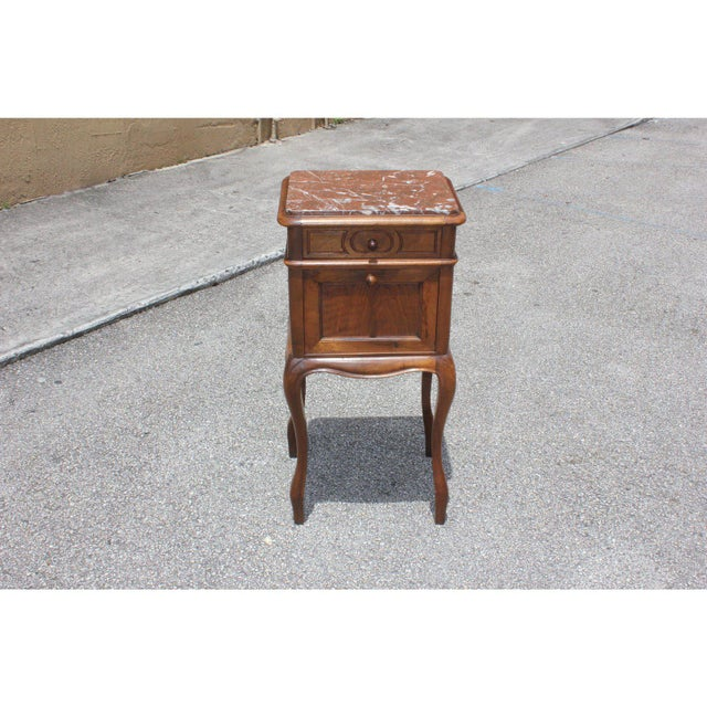 1900 - 1909 1900s French Louis XV Solid Walnut Nightstand For Sale - Image 5 of 13
