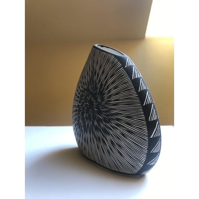 Native American Acoma Pueblo Pottery, Signed Delma Vallo For Sale - Image 3 of 8