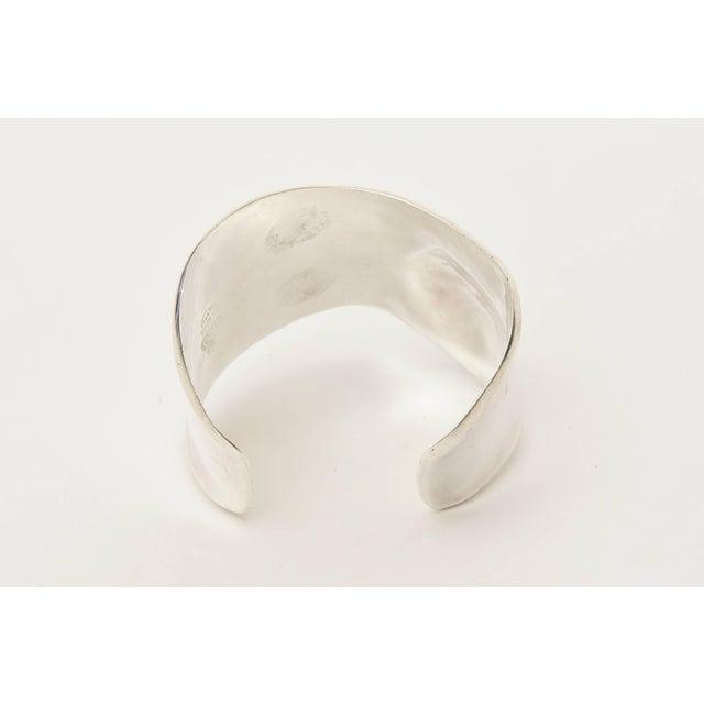 1950s Los Ballesteros Hallmarked Sterling Silver Sensual Sculptural Bone Cuff Bracelet For Sale - Image 5 of 11