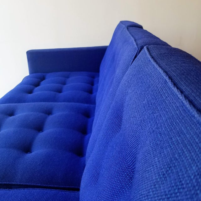 1960s Florence Knoll Three Seater Sofa W/ Original Fabric For Sale In Seattle - Image 6 of 13