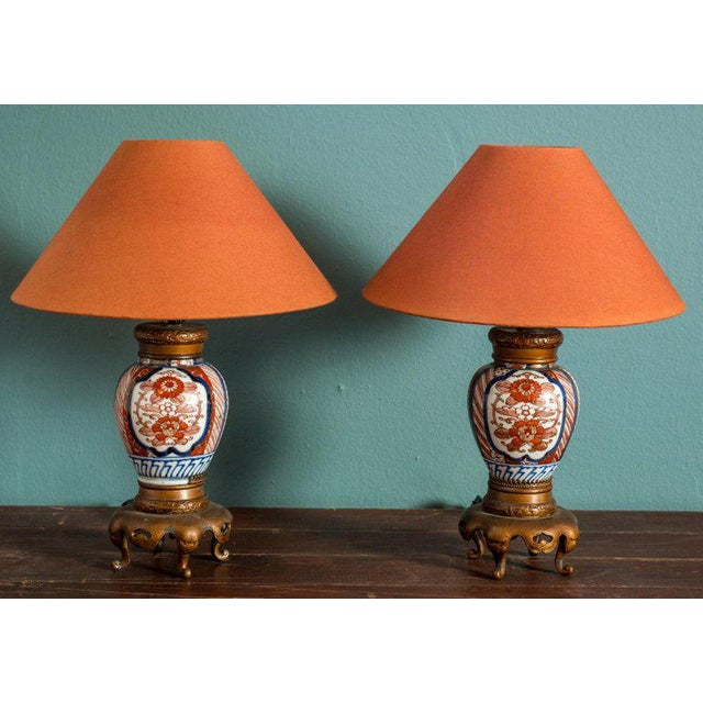1940s Pair of Chinese Export Vase Lamps For Sale - Image 5 of 5