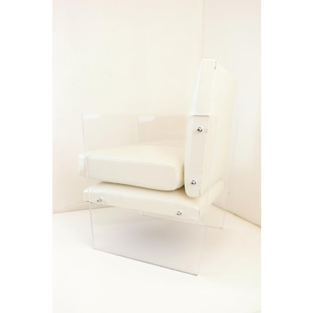 Vintage Mid Century Modern Clear Lucite & White Upholstered Arm Chair For Sale - Image 4 of 13