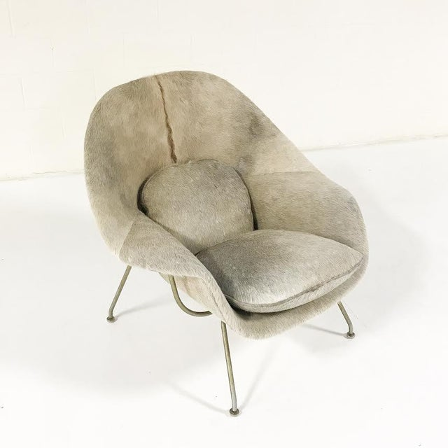 Eero Saarinen Vintage Eero Saarinen Womb Chair Reupholstered in Brazilian Cowhide For Sale - Image 4 of 11