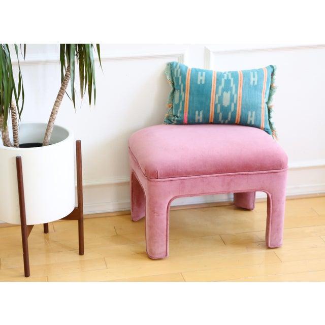Hollywood Regency Vintage Pink Velvet Vanity Stool For Sale - Image 3 of 4