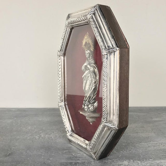 Figurative 19th Century Madonna in Octagonal Frame For Sale - Image 3 of 12
