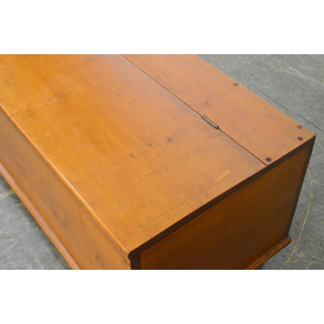 Country Antique 19th Century Poplar Dovetailed Lidded Chest Wood Box For Sale In Philadelphia - Image 6 of 12