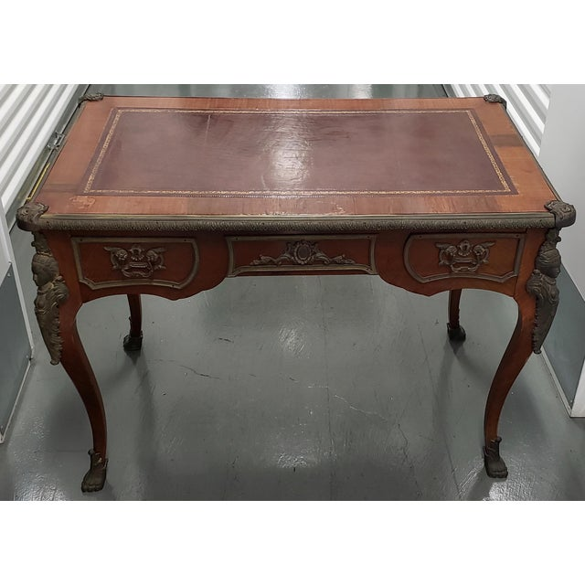 Gold French Louis XV Style Bureau Plat With Embossed Leather Top and Bronze Ormolu Mounts C.1940 For Sale - Image 8 of 8