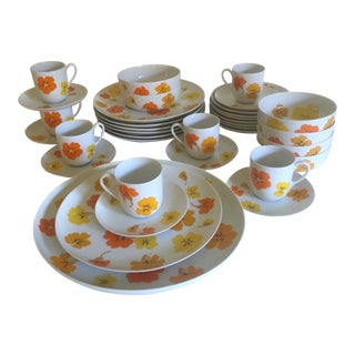 Mid Century Modern Suisse Langenthal Nasturtium Porcelain Dinnerware - Set of 35 For Sale