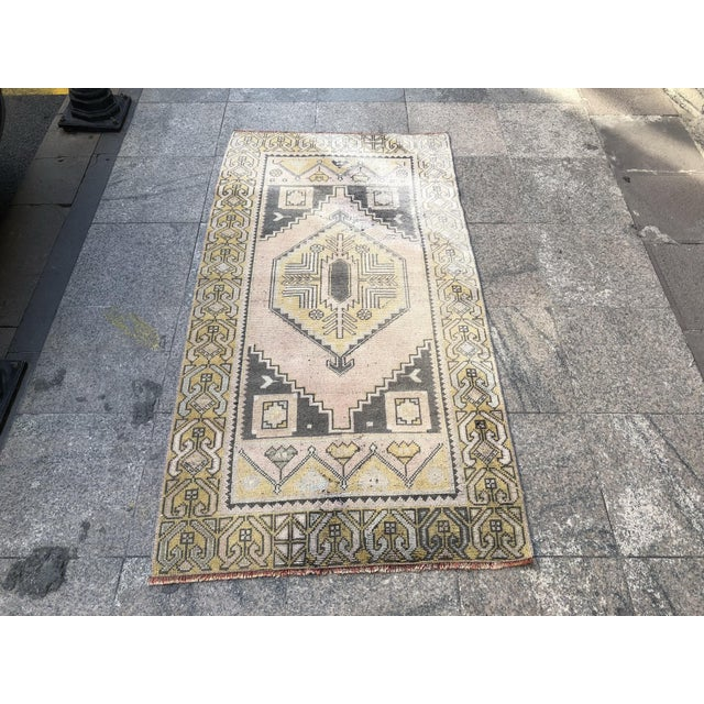 Turkish Oushak Pastel Handwoven Floor Rug - 3′1″ × 5′10″ For Sale - Image 11 of 11