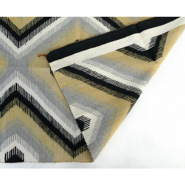 Textile 1940s Original Hand-Woven Navajo Rug For Sale - Image 7 of 8