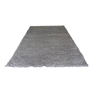 Blu Dot Cush New Zealand 100% Wool Heathered Gray Area Shag Rug - 6′ × 9′ For Sale
