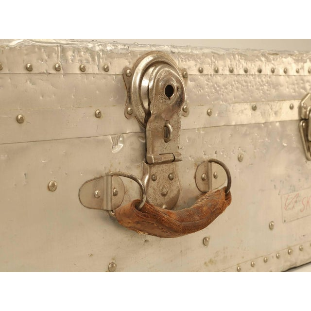 1950s French Metal Trunk For Sale - Image 5 of 10