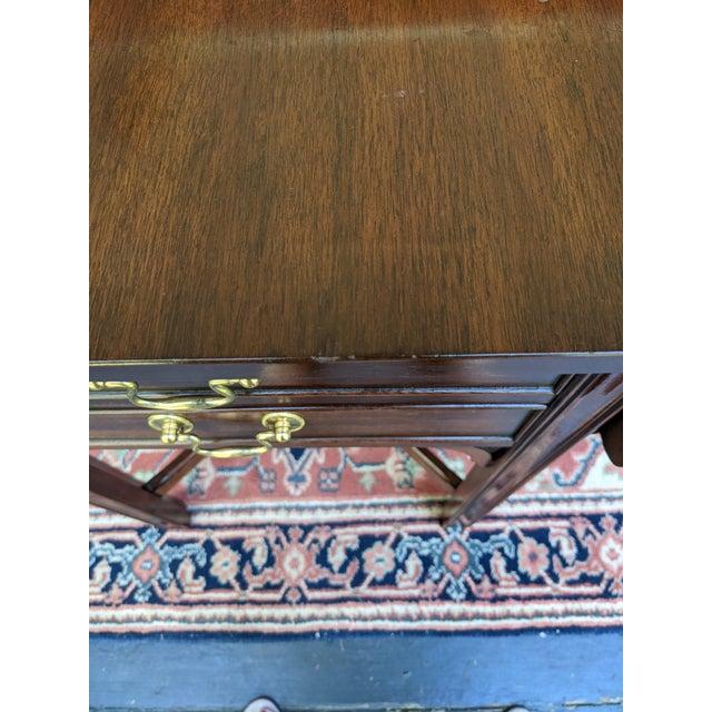 Late 20th Century Vintage Henkel-Harris Drop Leaf Mahogany Side Table For Sale - Image 5 of 12