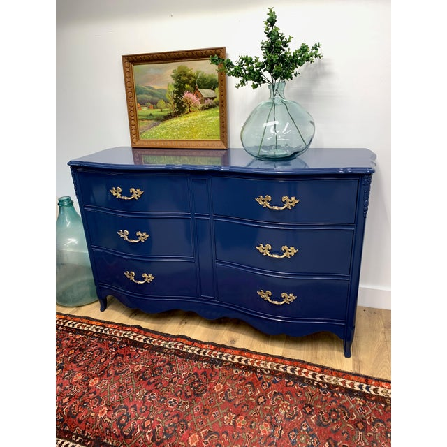 1950s 1950's French Provincial Navy Blue High Gloss Dresser For Sale - Image 5 of 6
