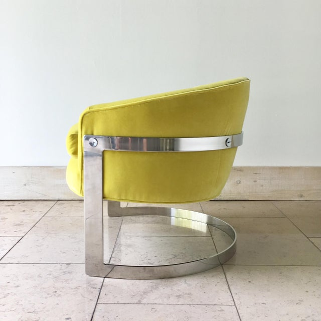 Mid-Century Modern Pair of Milo Baughman Chromium Steel Framed Tub Chairs 1970s For Sale - Image 3 of 9