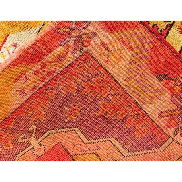 Keivan Woven Arts, L11-0802, 1920s Antique Turkish Oushak Rug - 3′ × 4′10″ For Sale In Atlanta - Image 6 of 7